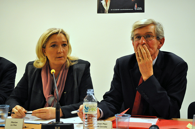 Marine Le Pen et JM de Lacoste Lareymondie